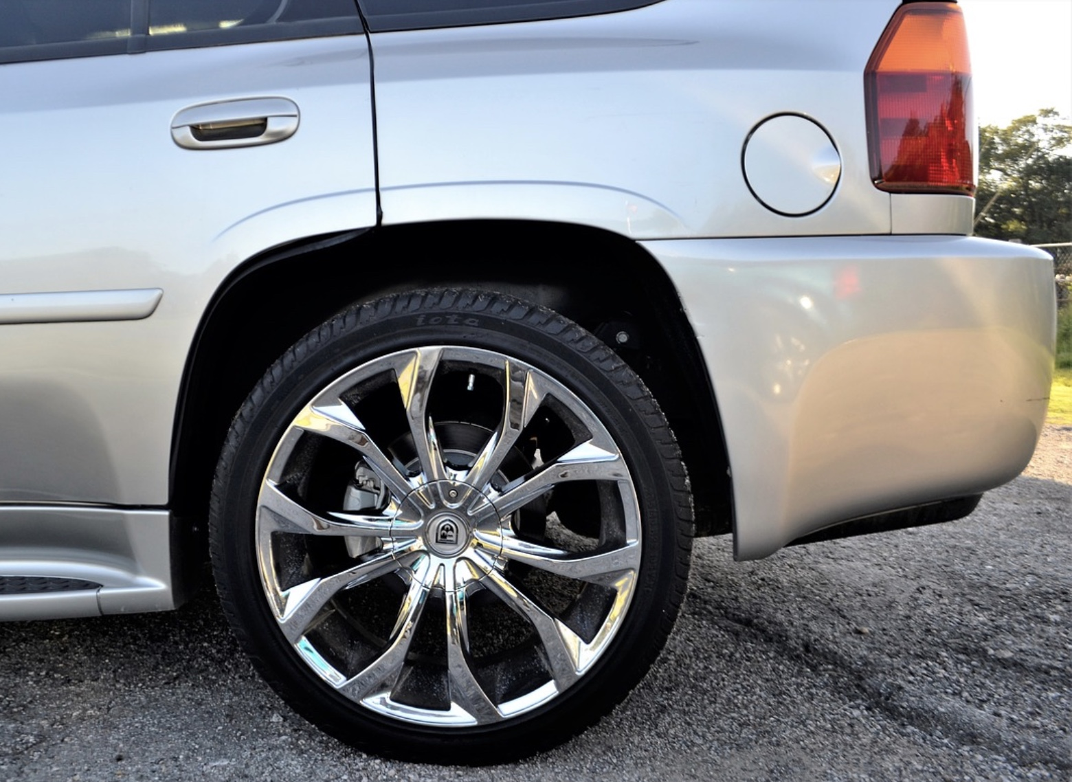Car tires, for tires in Murfreesboro, TN call today, auto mechanic for oil change, brakes, mufflers, engines, engine repair and more, call us today!